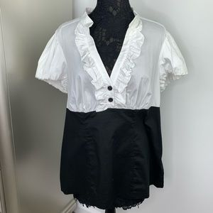 NWT Made in USA 2X Torrid Black White Ruffle Tunic